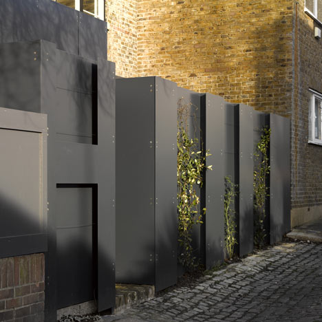 plant recesses designed into the front wall will ultimately hide parts of the wall - Wall Fencing Designs